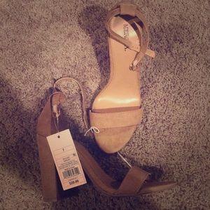 Never worn, camel tan thick heel
